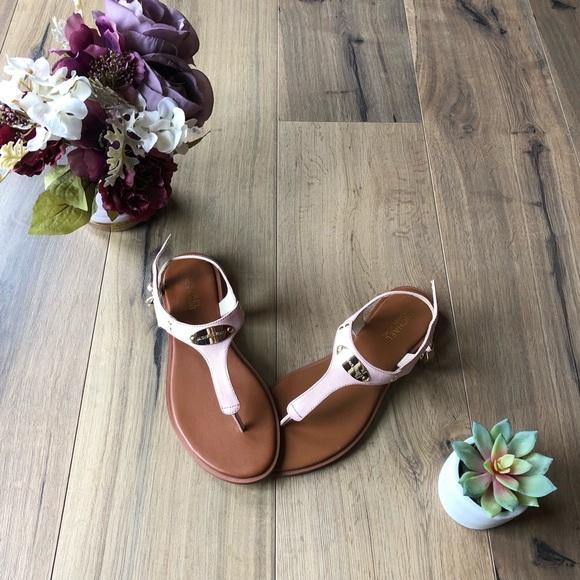 882e33b8f813 NWT Michael Kors Leather Plate Thong Sandal